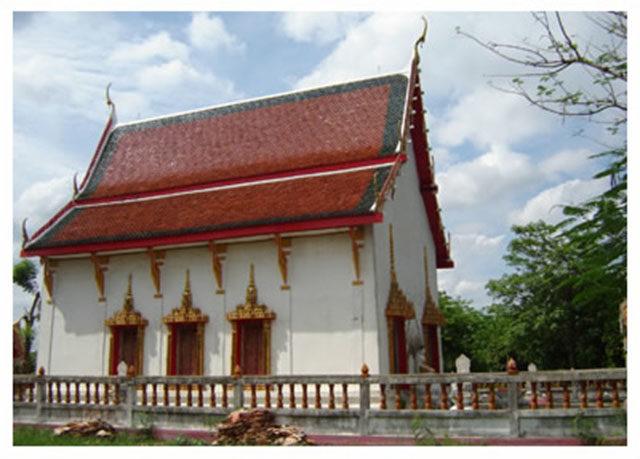 Wat Bom Raman Uposatha Shrineroom